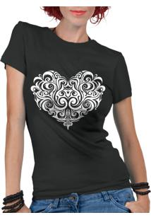 Camiseta Criativa Urbana Coração Tribal Preto
