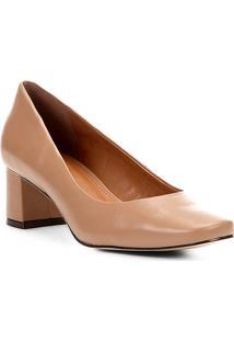 Scarpin Couro Shoestock Salto Baixo Bico Reto - Feminino-Café