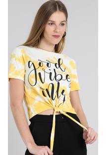 "Blusa Feminina Estampada Tie Dye ""Good Vibes Only"" Com Nó Manga Curta Decote Redondo Amarela"