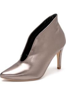 Sapato Scarpin Abotinado Salto Alto Fino Em Metalizado Onix
