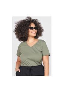 Camiseta Basicamente. Plus Size Gola V Verde
