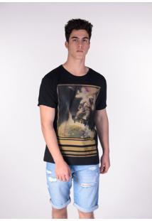 Camiseta Preta Astronauta Skatista