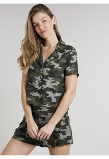 Camisa Feminina Cropped Estampada Camuflada Com Botões Manga Curta Verde Militar