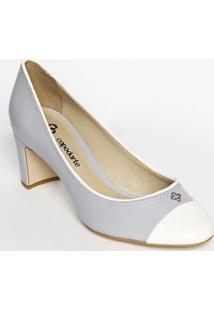 Sapato Tradicional Em Couro Com Tag & Recortes- Azul Clacapodarte