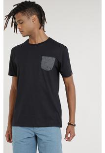 Camiseta Masculina Com Bolso Estampado De Pranchas Manga Curta Gola Careca Preta