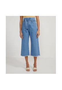 Calça Pantacourt Jeans Com Barra Desfiada E Cinto Faixa