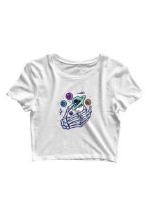 Blusa Blusinha Cropped Tshirt Camiseta Feminina Mão Caveira Planetas Branco