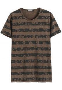 Camiseta Masculina Com Estampa Listrada - Marrom