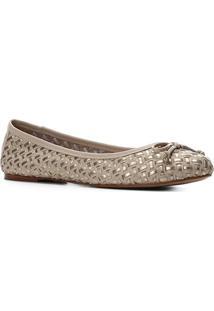 Sapatilha Couro Shoestock Laço Tressê Feminina - Feminino-Bege+Dourado