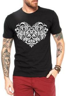 Camiseta Criativa Urbana Coração Tribal - Masculino-Preto