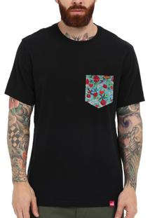 Camiseta Wevans Bolso Aplique Old School Preto