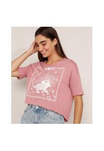 "Camiseta Cropped Ampla ""Mistério No Ar"" Manga Curta Decote Redondo Rosa Escuro"