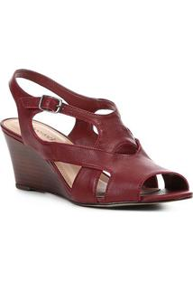 Sandália Anabela Shoestock Tiras Vazadas Feminina - Feminino-Vinho