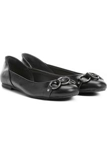 Sapatilha Couro Shoestock Argolas Feminina - Feminino-Preto