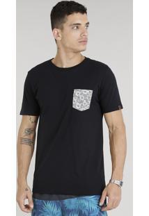 Camiseta Masculina Com Bolso Estampado Floral Manga Curta Gola Careca Preta