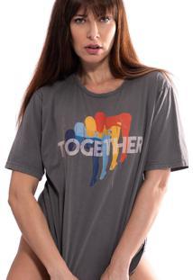 Camiseta Thais Gusmã£O Estampada Together Cinza - Cinza - Feminino - Algodã£O - Dafiti