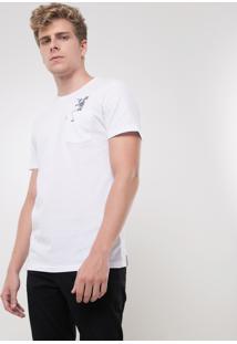 Camiseta Com Caveira No Bolso
