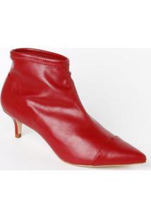 Ankle Boot Em Couro Com Recortes & Pespontos- Vermelha