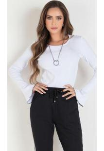 Blusa Branca Com Mangas Flare E Decote Redondo