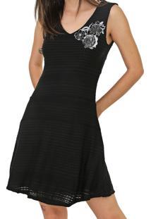 Vestido Desigual Curto Bordado Preto - Kanui